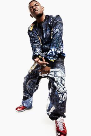 ケンドリック ラマー × ナイキ エア マックス レブロン 10 ロー ユニバーシティ レッド