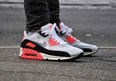 NIKE AIR MAX 90 PREMIUM TAPE QS WHITE/COOL GREY/BLACK/ATOMIC RED