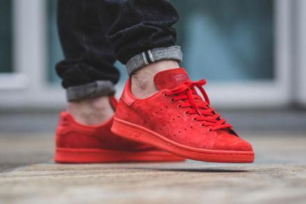 adidas スタンスミス スエード スニーカー 赤