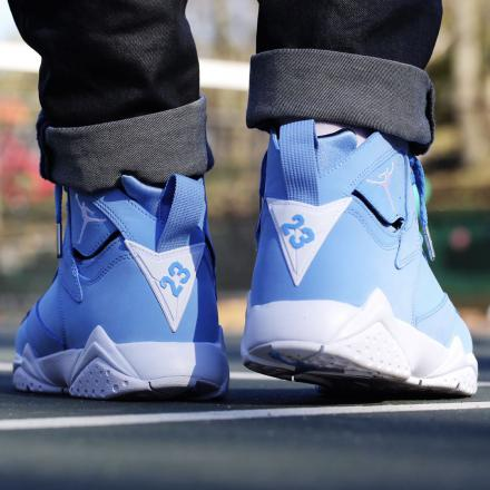 NIKE AIR JORDAN 7 RETRO UNIVERSITY BLUE/WHITE-WHITE